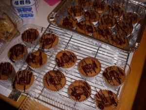 Snickers pound cake cupcakes